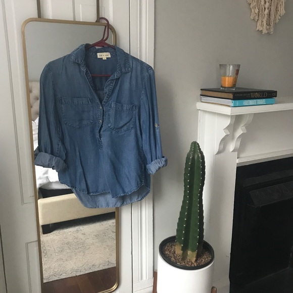 cloth & stone Tops - Anthropologie Chambray Button Down S